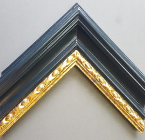 Variegated gold sight edge, black frame with gloss varnish